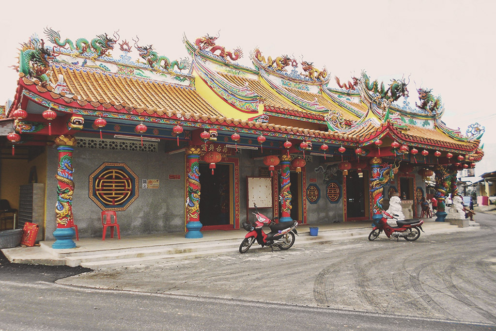 thai mueang village chinese temple